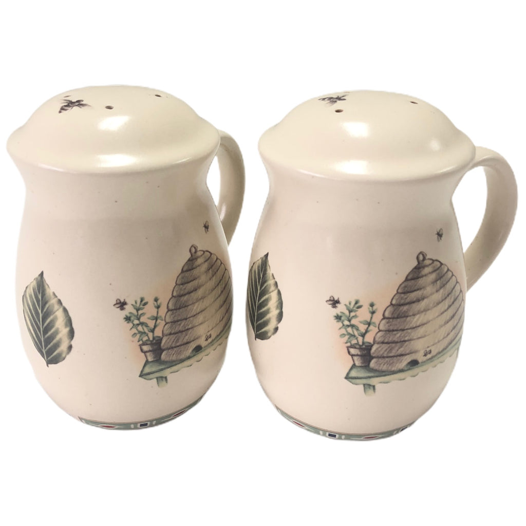 Pfaltzgraff Naturewood Beehive Bees Stove Top Salt & Pepper Shaker Set