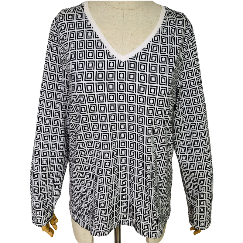 Liz Claiborne Active Womens Long Sleeve Geometric Black White Shirt