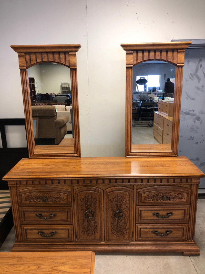 Broyhill Oak 6-Drawer Dresser w/ Doors & 2 Mirrors + Nightstand