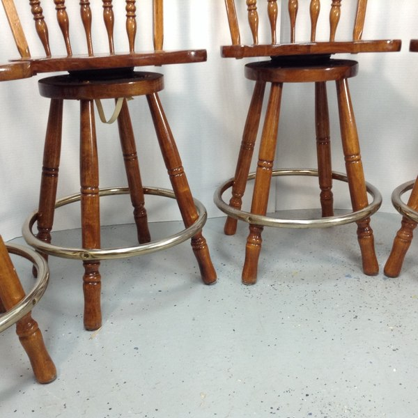 "24"" Solid Oak Wooden Bar Stool W/ Metal Footrest"