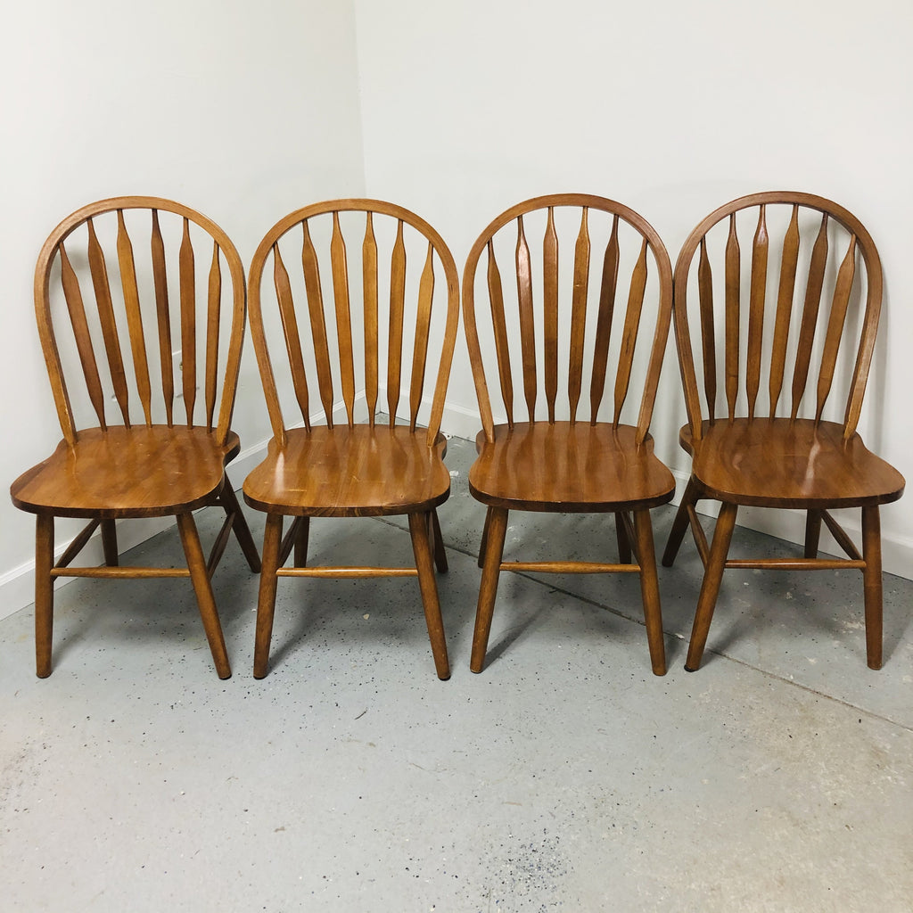 (4) Oak Wood Windsor Flat Spindal Back Chairs