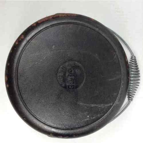 Lodge Cast Iron Dutch Oven Pot 10 1/4 Lid #8 Spin Handle