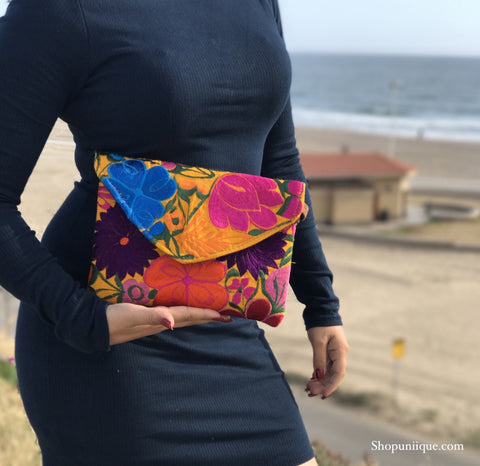 Medium Amber Yellow Clutch