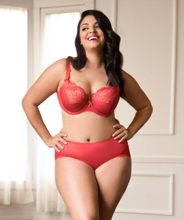 5 Plus Size Lingerie Inspirations We're Loving For Holiday