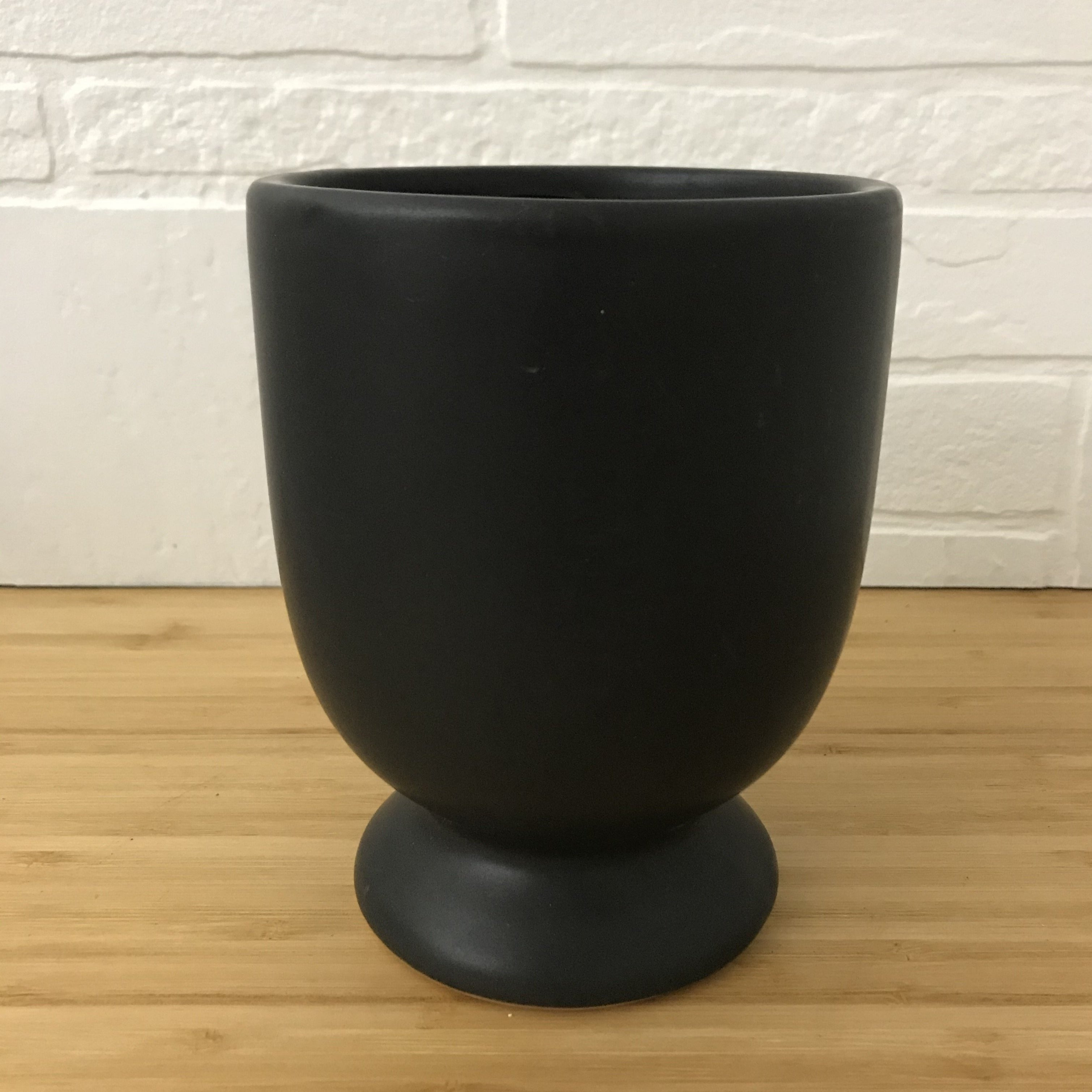 "4"" black footed plant pot"