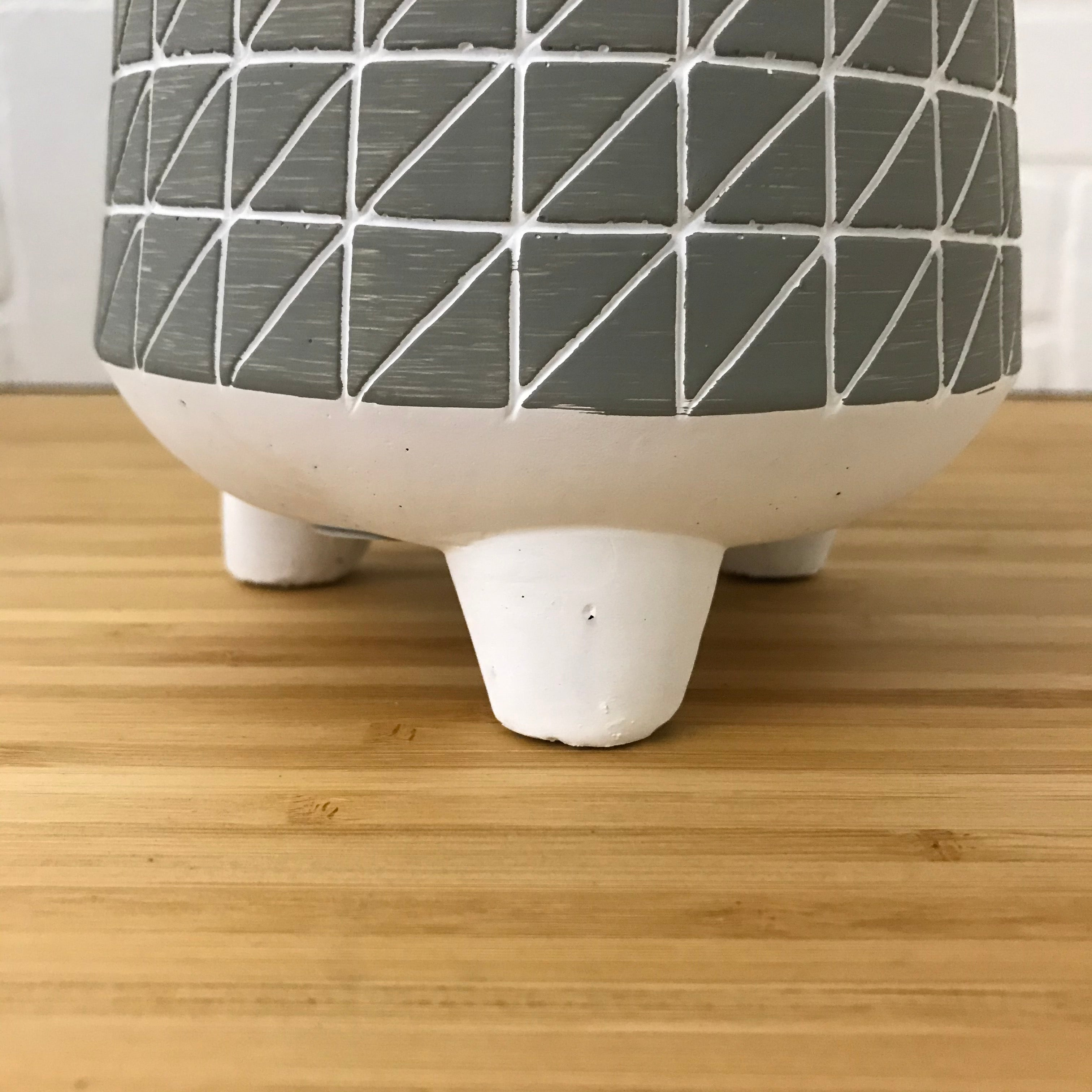 "4"" Triangles Three Footed Plant Pot"