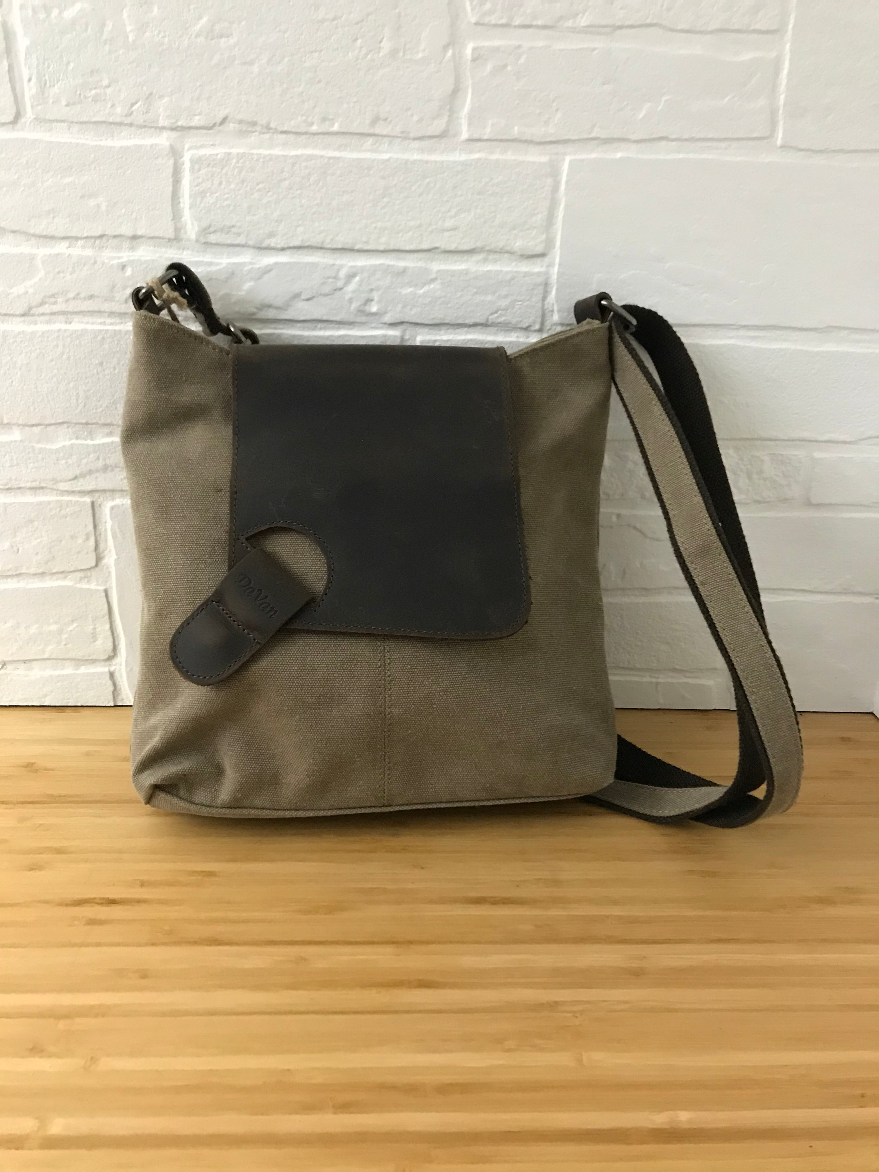 daVan shoulder bag