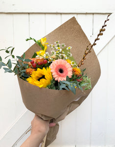 monthly hand tied bouquet subscription