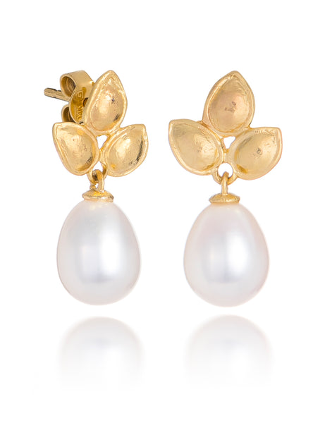 14ct Yellow Gold Pearl Earrings