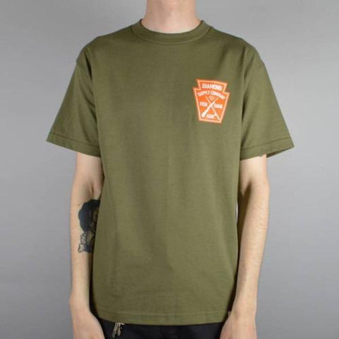 DIAMOND SUPPLY FISH & GAME CREST T-SHIRT MILITARY GREEN in MILITARY GREEN