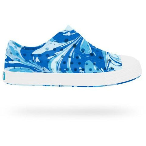 NATIVE Jefferson Marbled Child in Victoria Blue/Shell White/Marble