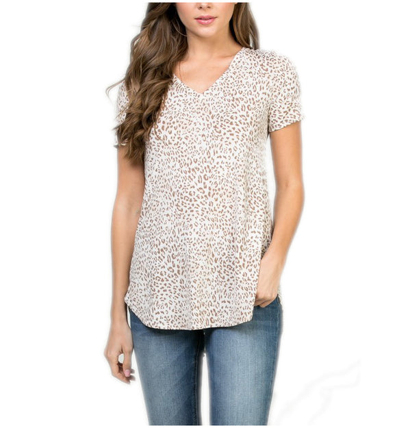 Short Sleeve Animal Print V Neck Top