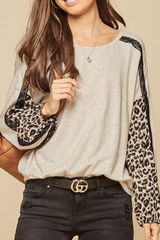 Leopard Detailed Soft Knit Top