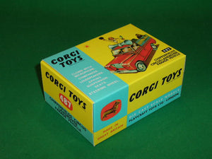 Corgi Toys #487 Chipperfield's Landrover Parade Vehicle.