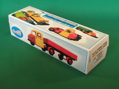 Crescent Toys #1272 Scammell Scarab with Open Truck Trailer.