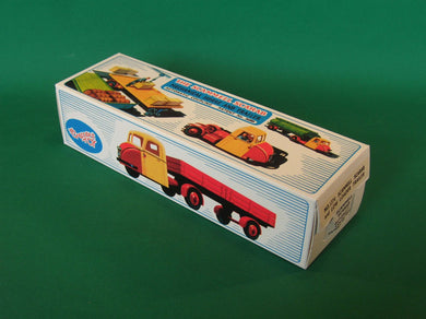 Crescent Toys #1274 Scammell Scarab with Low Loader Trailer.