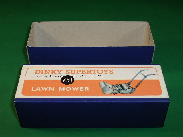 Dinky Toys #386 (#751) Lawn Mower.