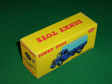 Load image into Gallery viewer, Dinky Toys #413 (# 30s) Austin Covered Wagon.