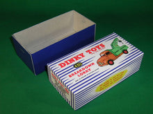 Load image into Gallery viewer, Dinky Toys #430 (#25x) Commer Breakdown Lorry.