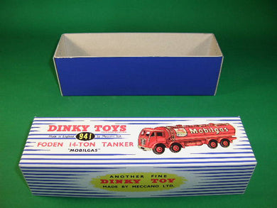 Dinky Toys #941 (#504) Foden 14-Ton Tanker 'Mobilgas' - 2nd cab - stripes.