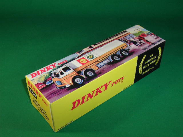 Dinky Toys #944 Shell-B.P. Fuel Tanker - end flap type box.