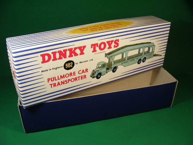 Dinky Toys #982 (#582) Pullmore Car Transporter.