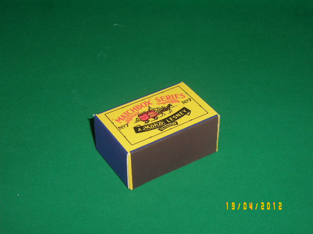 Matchbox 1-75 Regular Wheels # 7a Horse Drawn Milk Float.