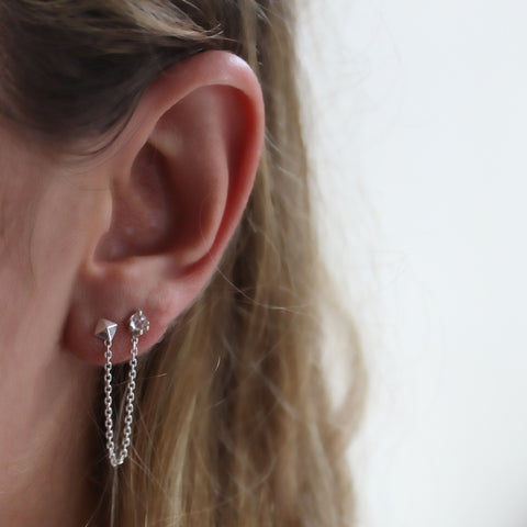 PYRAMID STUDS WITH CHAIN | SILVER
