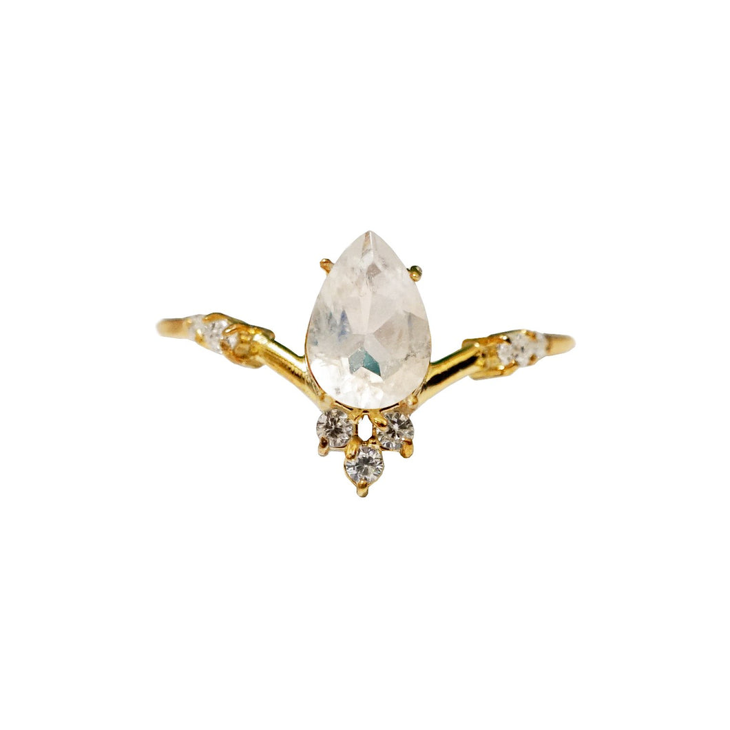 MOONSTONE BLOSSOM RING | GOLD