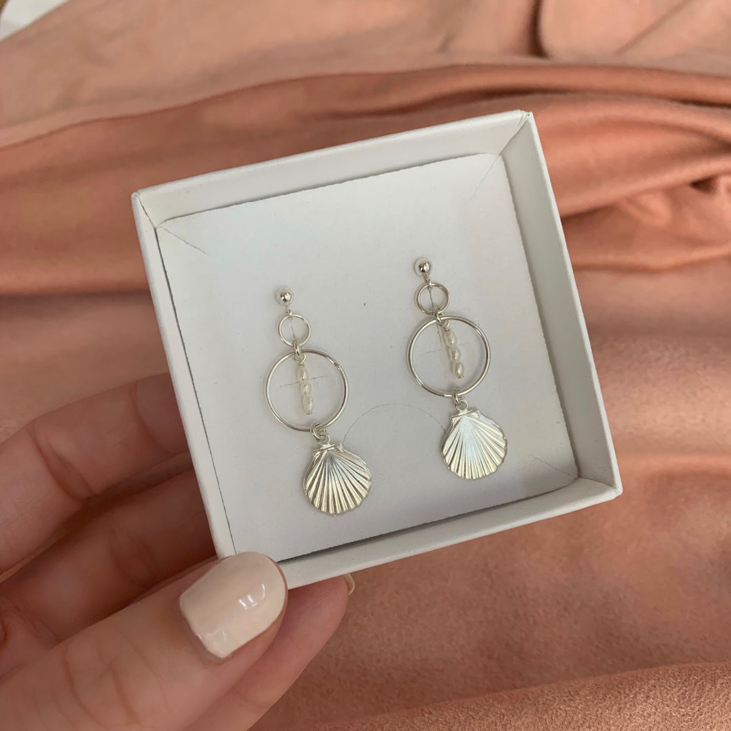 ROSY SHELL EARRINGS | SILVER