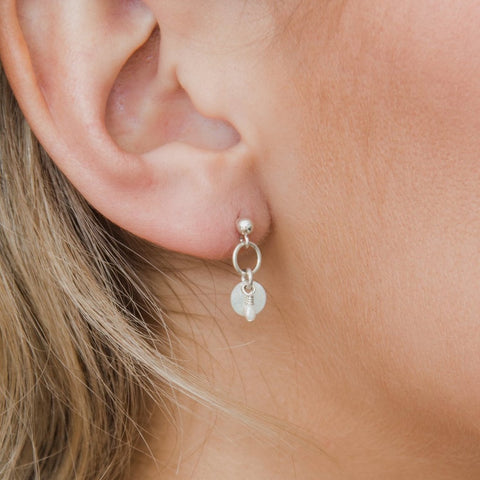 SIA PEARL EARRINGS | SILVER