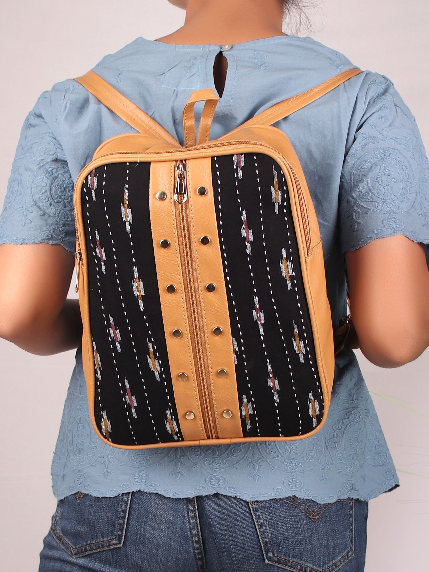 INSTANT CRUSH BLACK BACKPACK