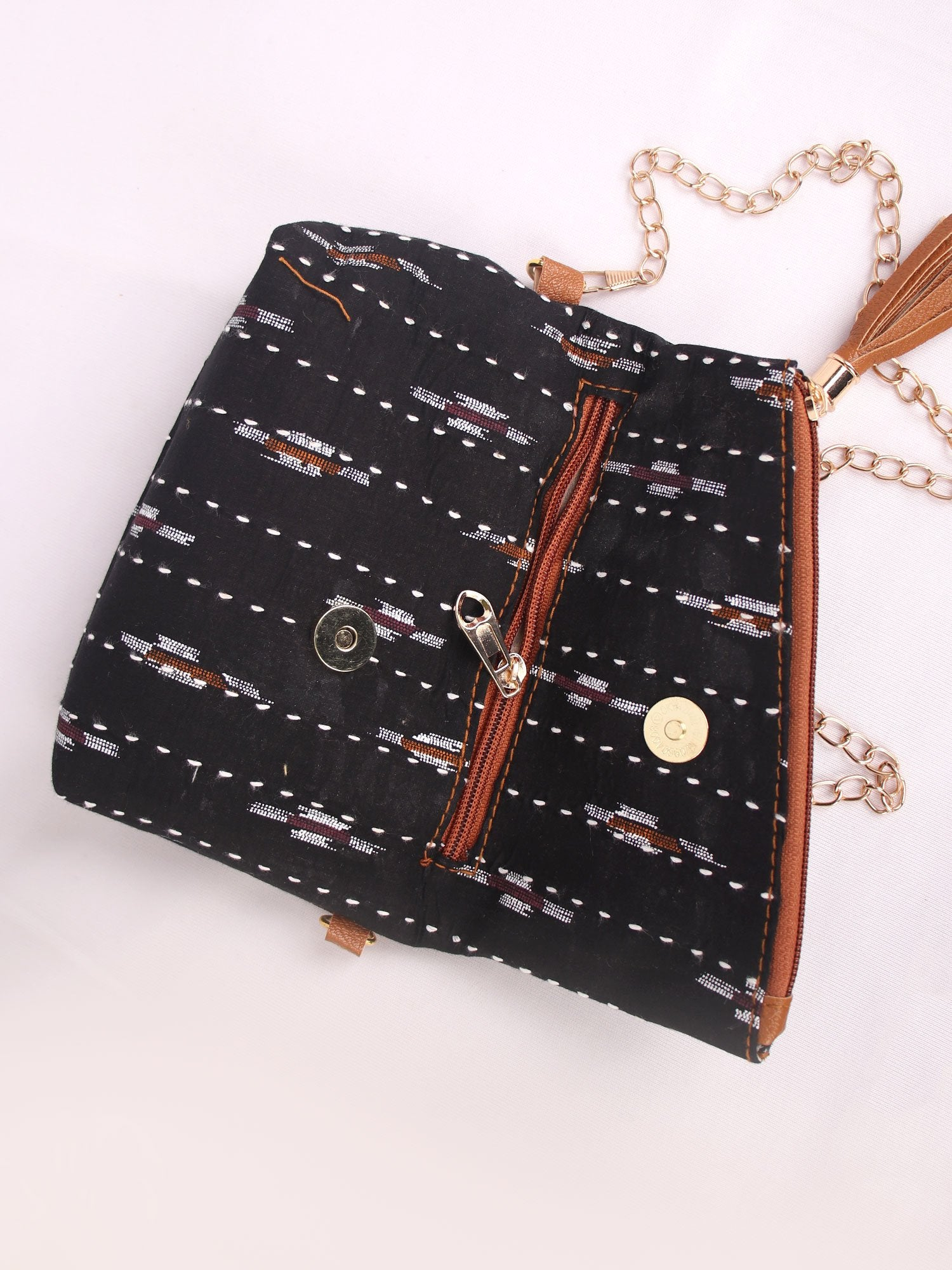 BLACK IKKAT PRINT PURSE & SLING