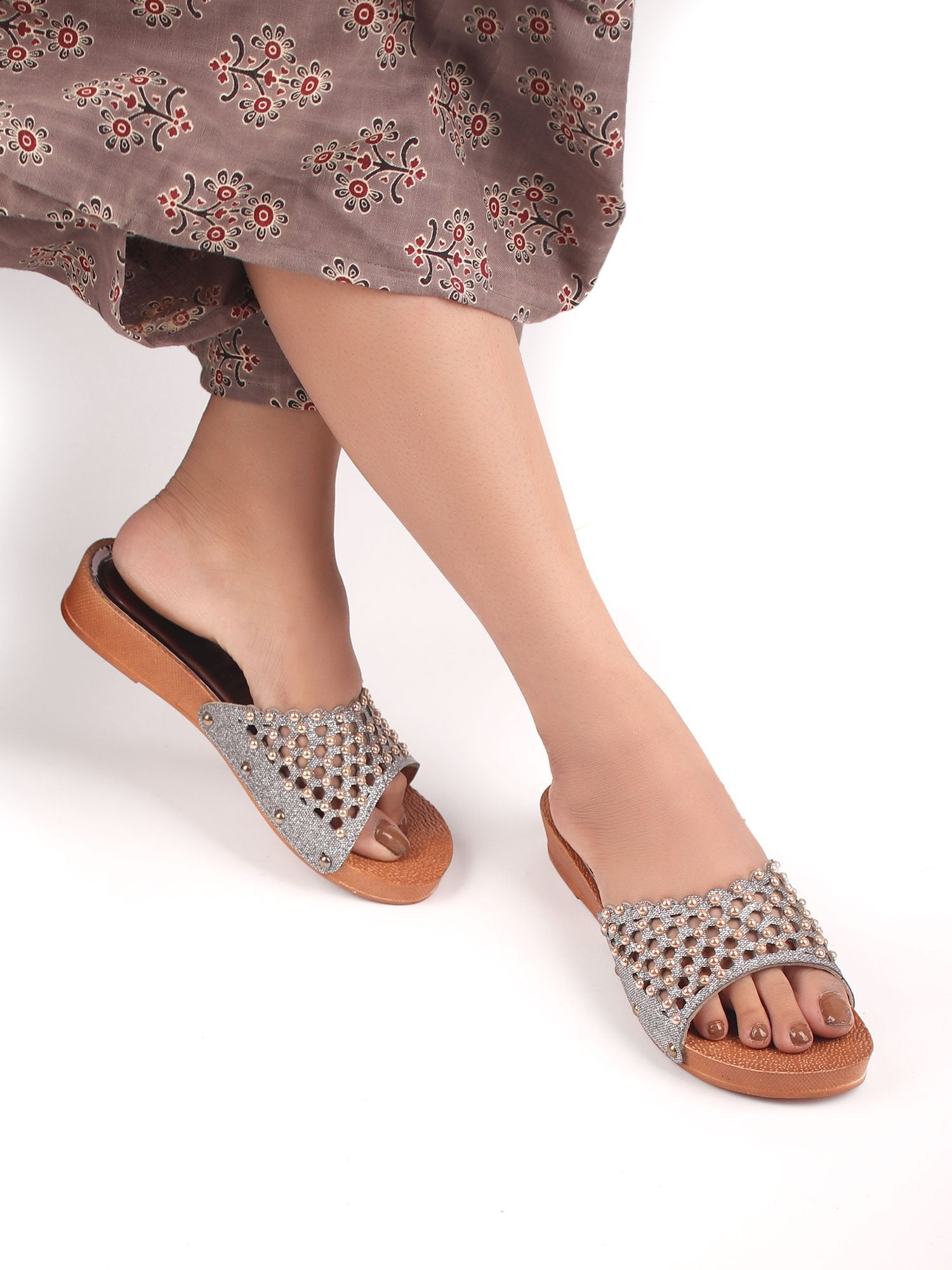 PEARL STUDDED PLATFORM SANDALS
