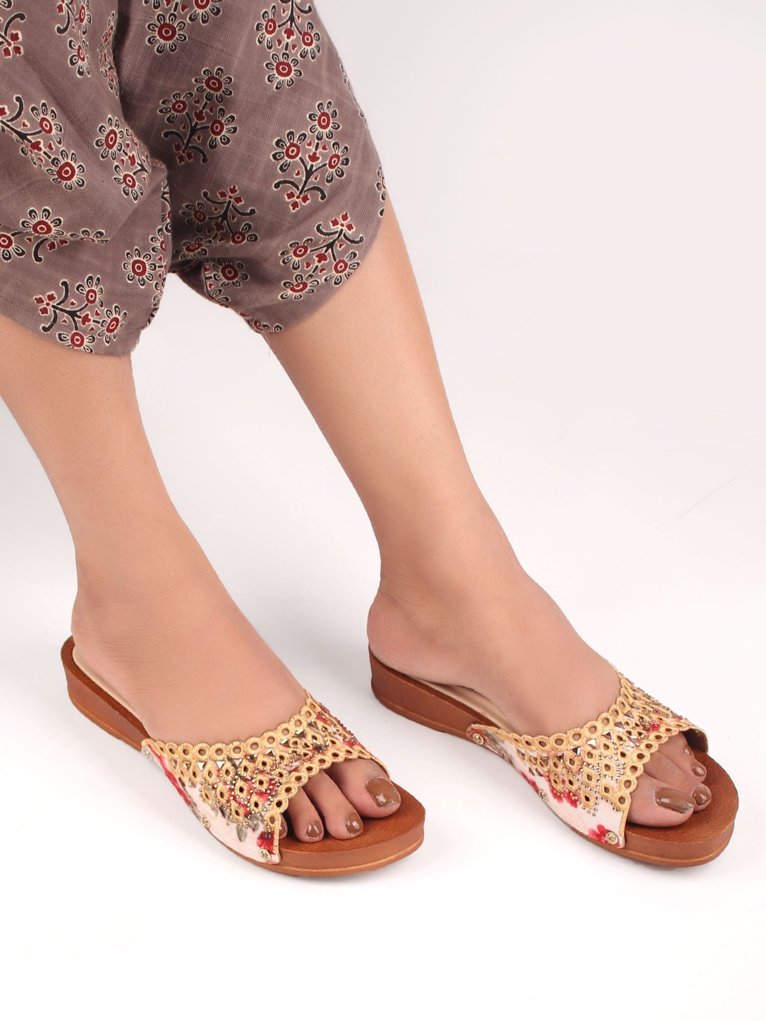 EMBROIDERED ELEGANCE SANDALS IN ORANGE