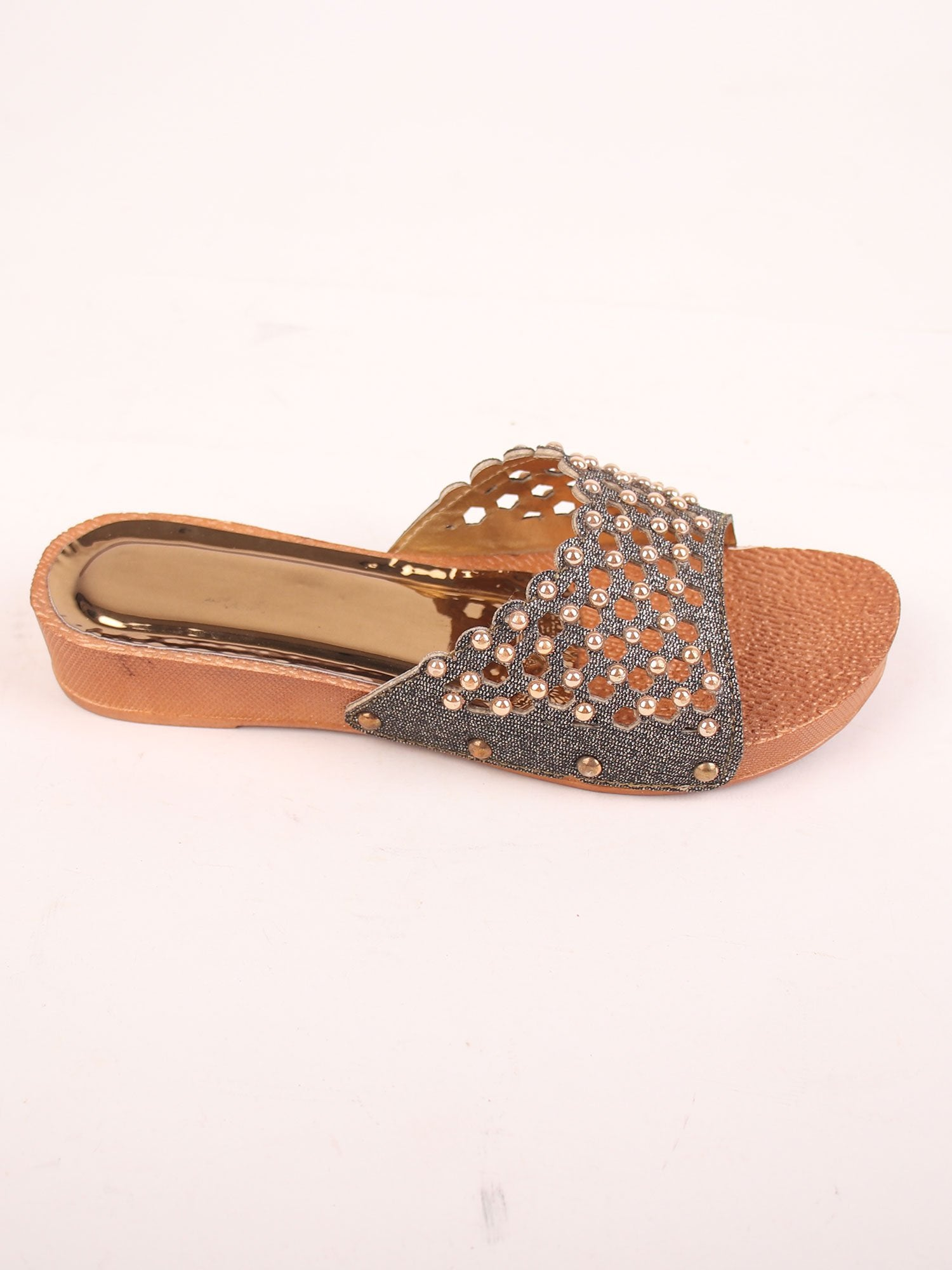 PEARL STUDDED PLATFORM SANDALS IN BLACK METAL HUE