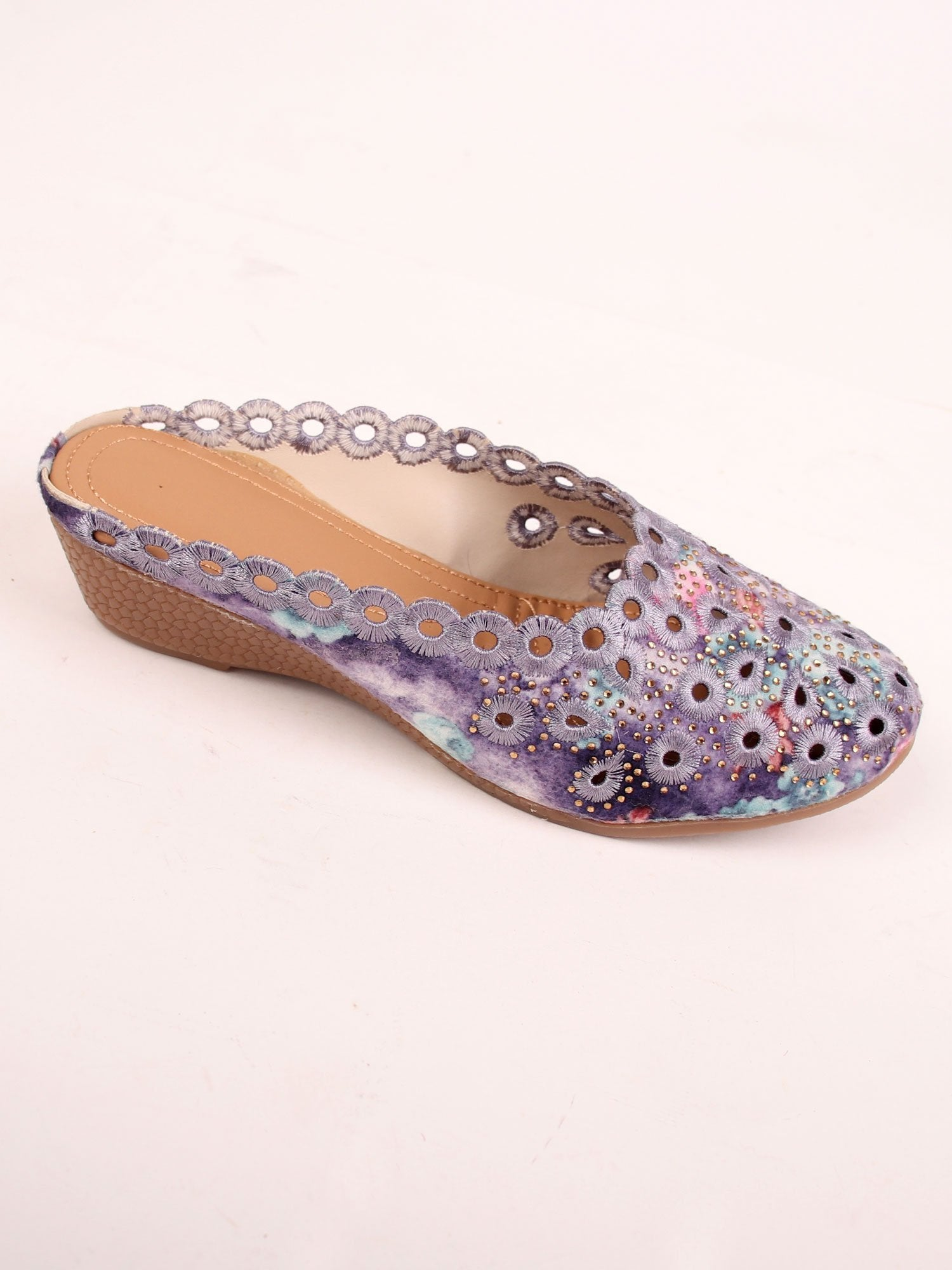 EMBROIDERED BEAUTY SANDALS IN PURPLE