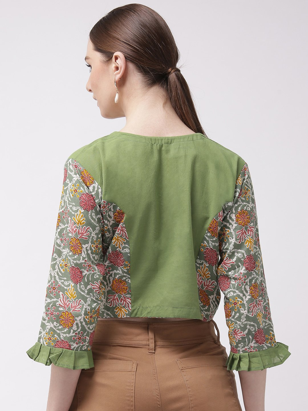 Crop Top Green - Printed Sleeve
