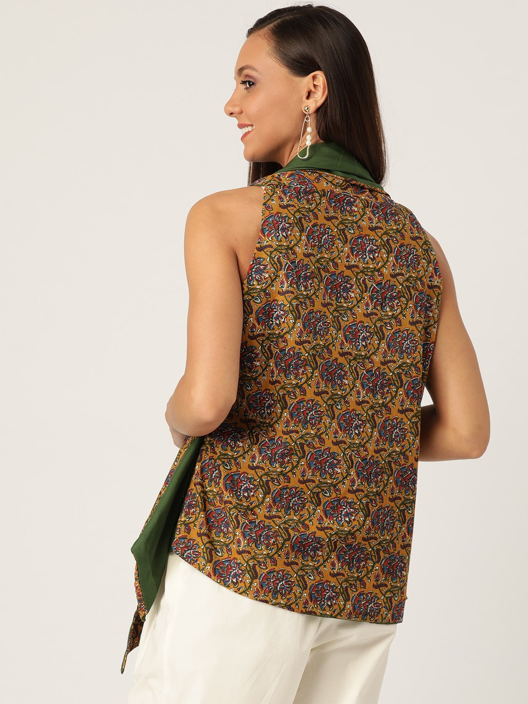 Reversible Shrug In Kalamkari Print