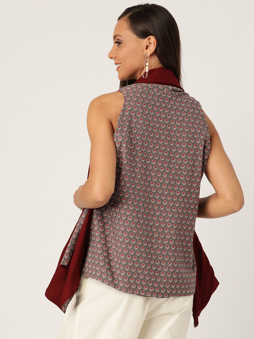 Reversible Shrug In Gray Red Buti