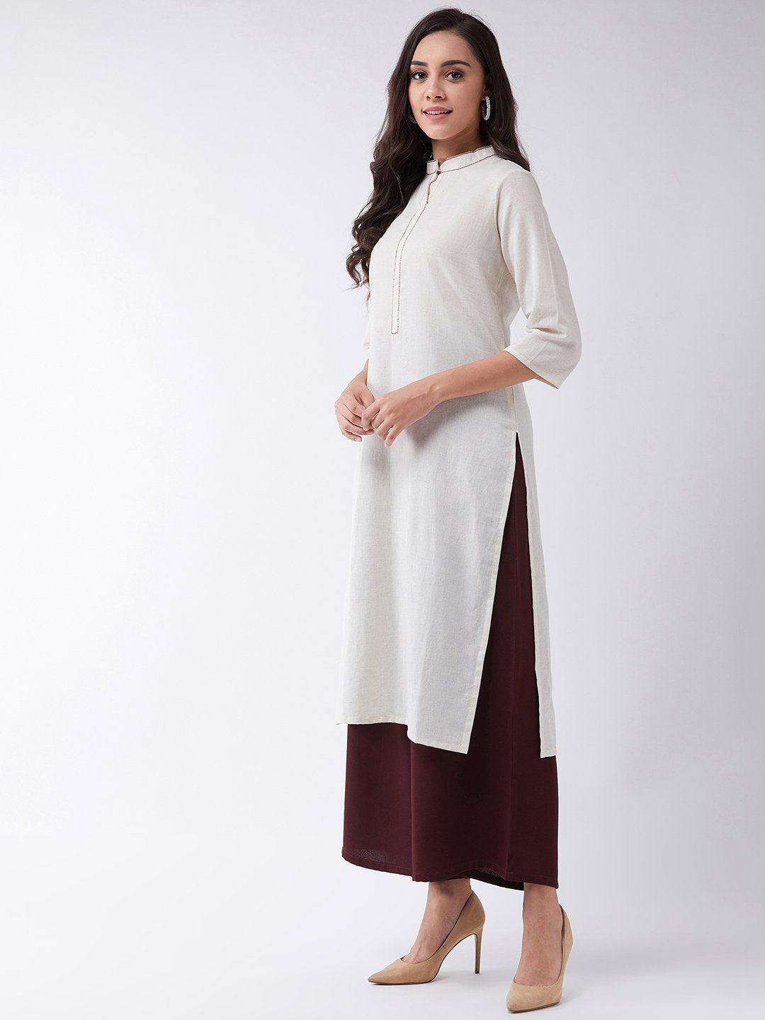 Off White Kurta With Maroon Kantha Work