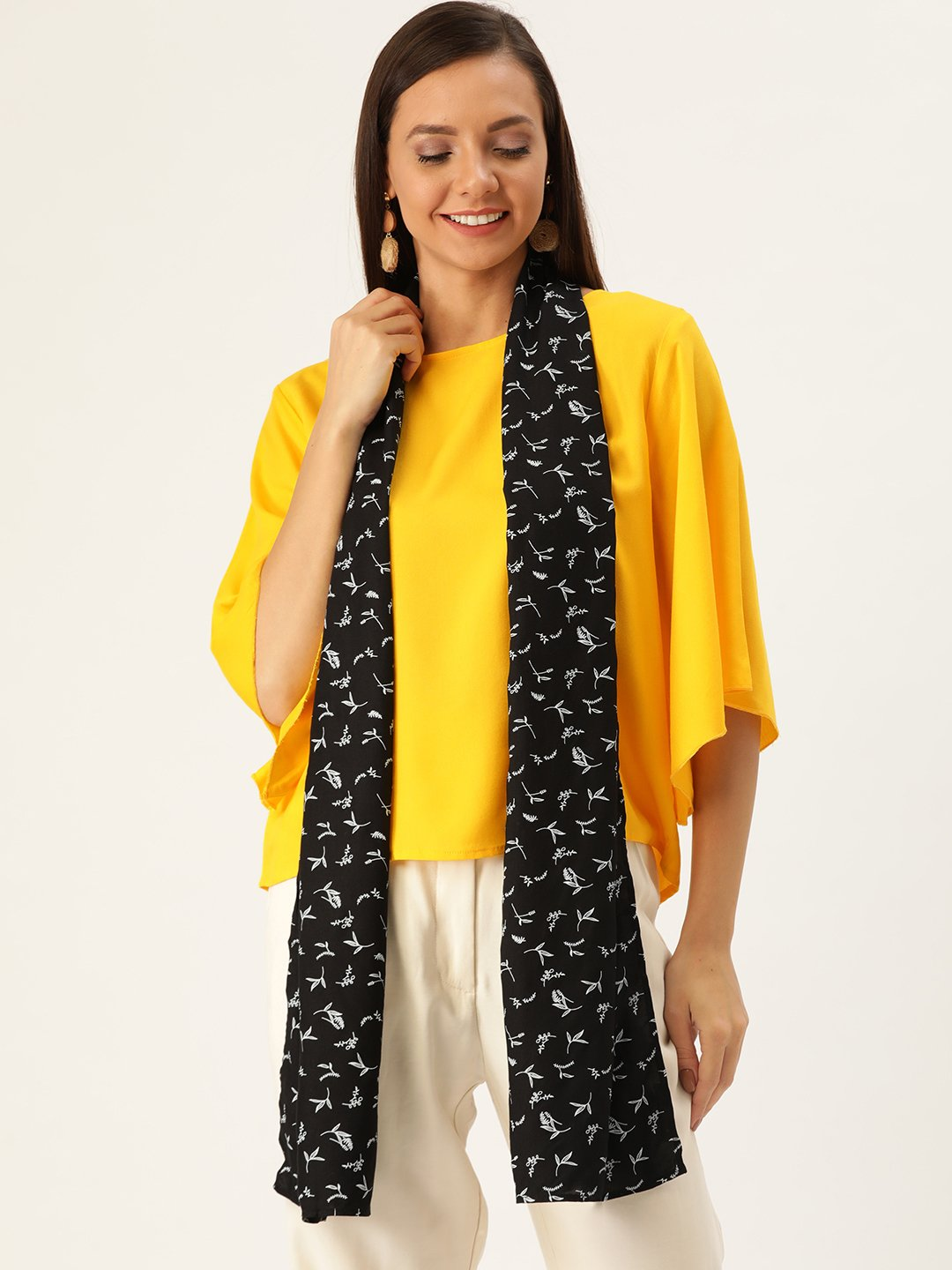 Yellow Top With Black Stole