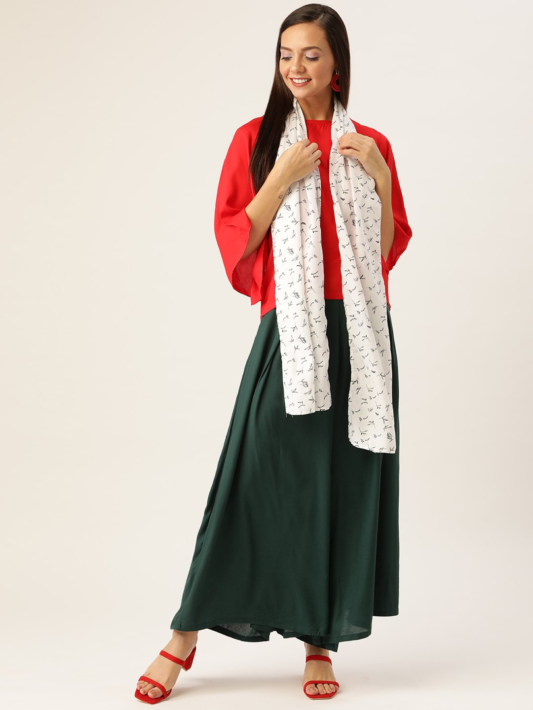 Red Green Top Bottom Set, White Black Scarf