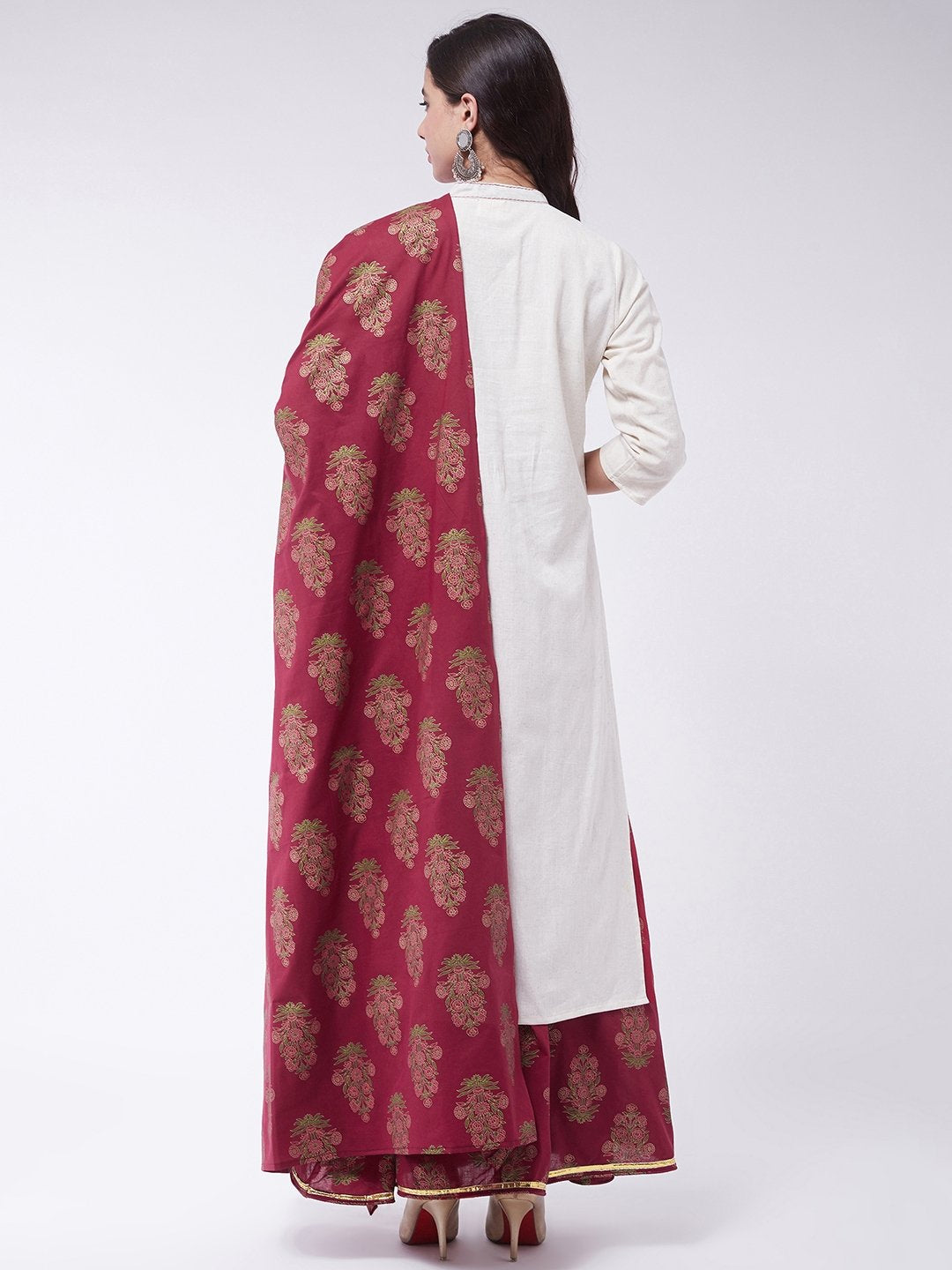 Off White Skirt Set With Dupatta