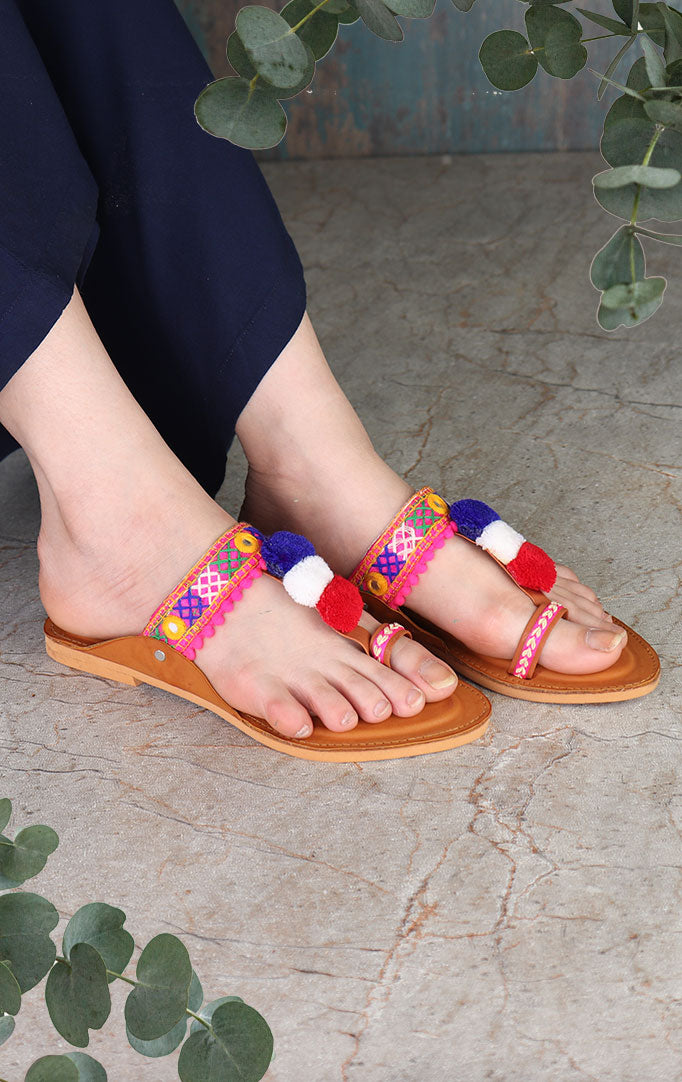 Hand-embroidered Tan Kolhapuri Chappals