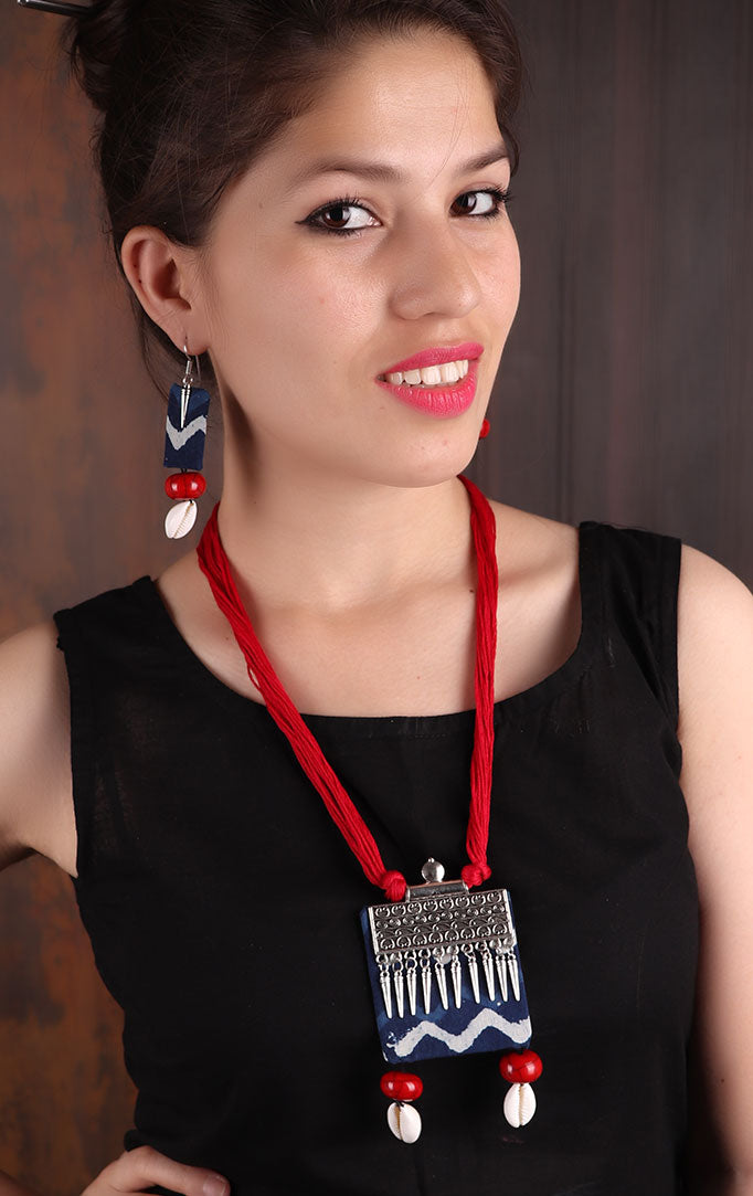 Red-blue block-print Necklace Set