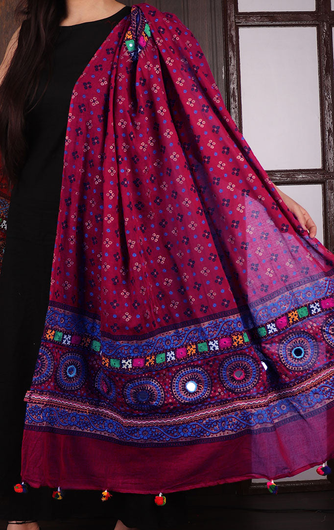 Stylish Me Bandhani dupatta with Mirror & Thread Work