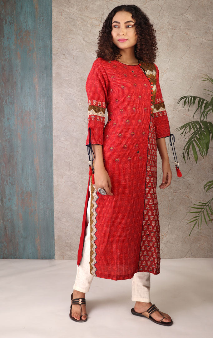 A Perky Red Kurta with Three Quarter Sleeve