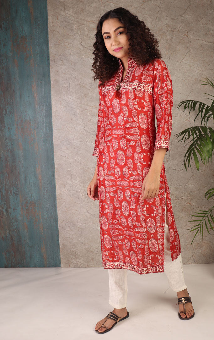 Classic Look Kurta In Red
