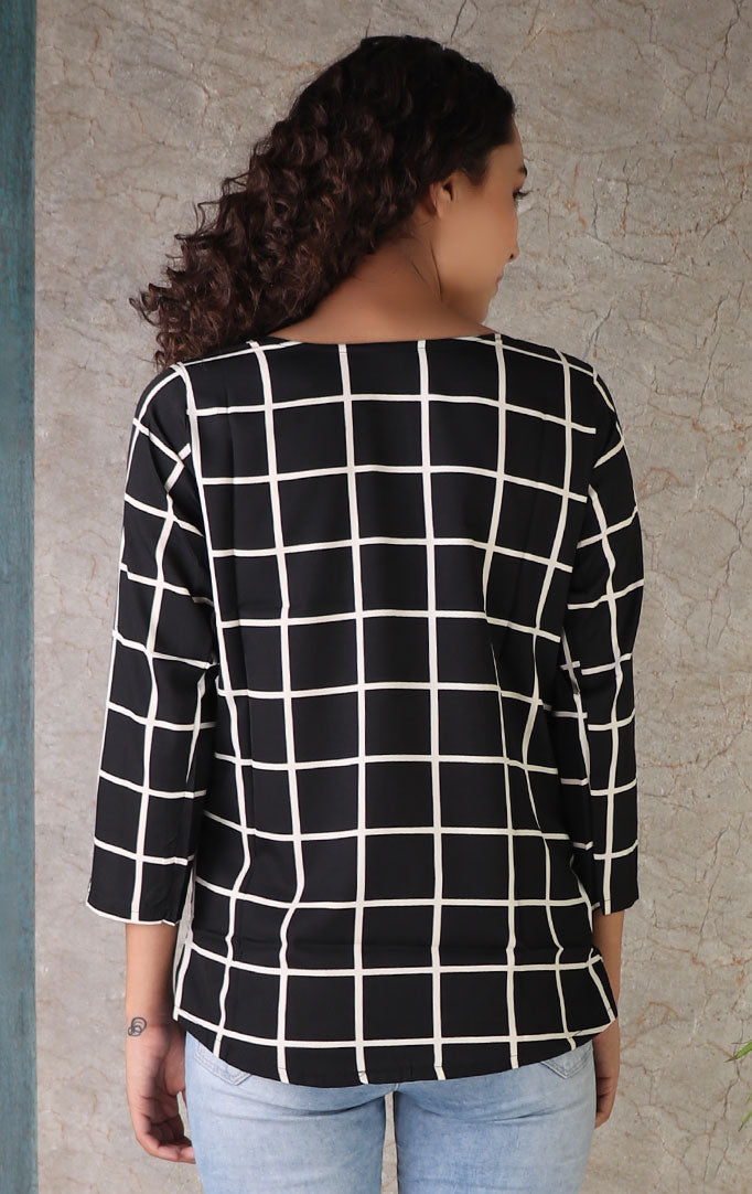 Lapel Checks Top In Black
